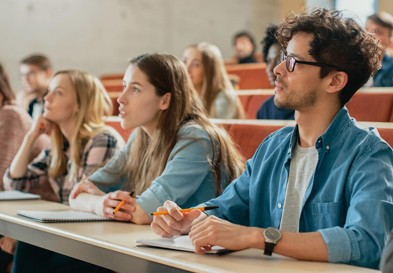 Onderwijs studenten luisteren lezing